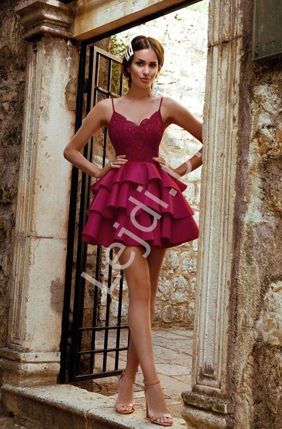 Krótka sukienka piankowa w kolorze bordowym z trzema falbanami Esmeralda - Lejdi