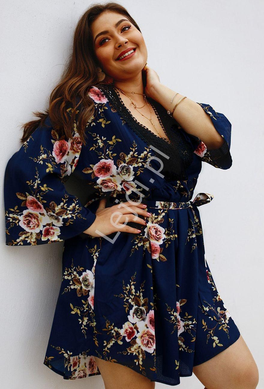 Kwiatowa granatowa sukienka letnia Plus Size 5103 - Lejdi