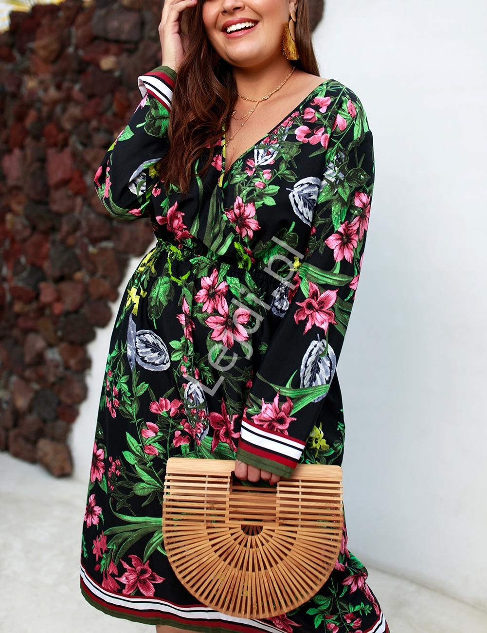 Kwiatowa sukienka z długim rękawem Plus Size - Lejdi