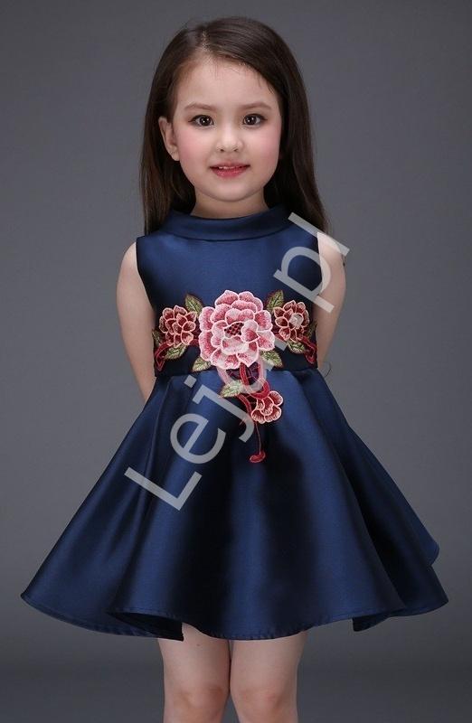 Śliczna granatowa sukienka z satyno bawełny z motywem kwiatowym w pasie | sukienki dla dziewczynek - Lejdi