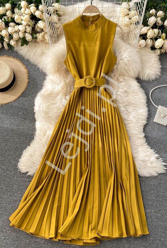 Musztardowa plisowana sukienka z paskiem 41080 - Lejdi