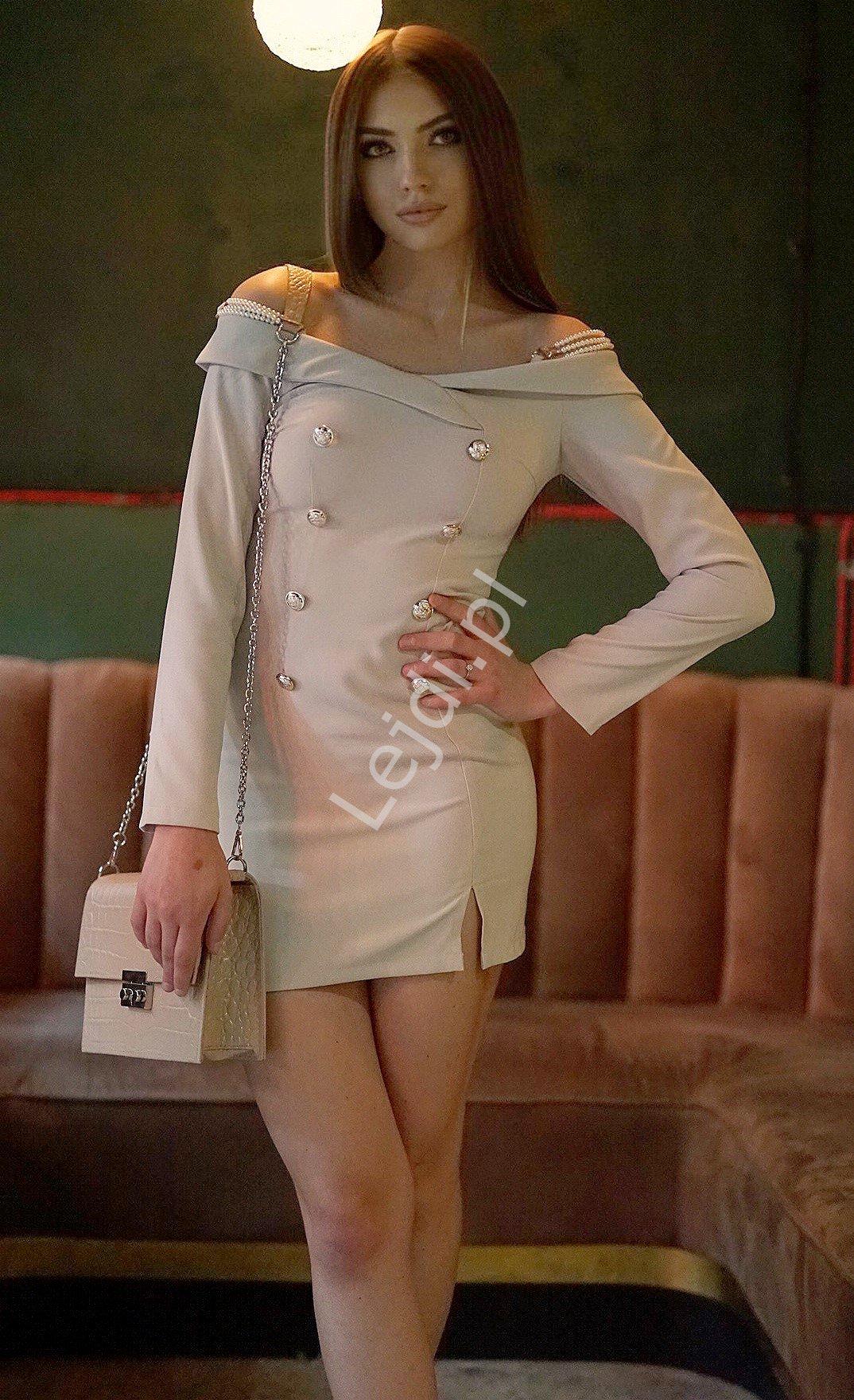 Ołówkowa sukienka z odkrytymi ramionami z perełkami na ramiączkach 6540 - Lejdi