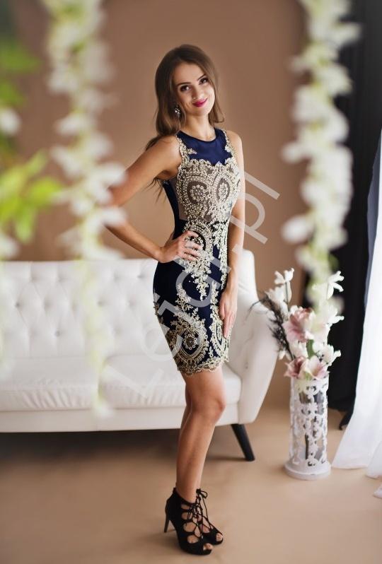 Piękna granatowa suknia wieczorowa zdobiona koronką | wieczorowa krótka sukienka - Lejdi