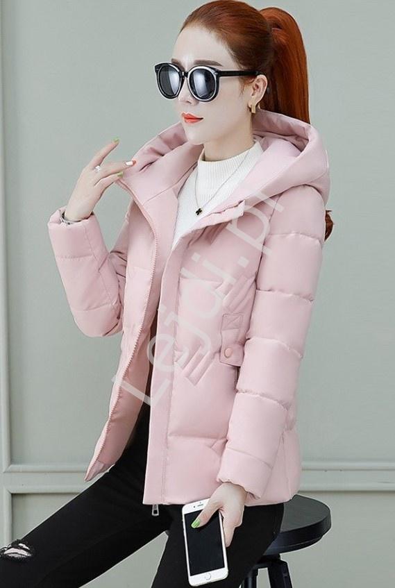 Pikowana kurtka damska z kapturem w różowym kolorze 9801 - Lejdi