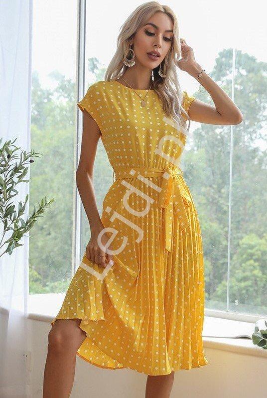 Plisowana sukienka żółta w groszki, elegancka sukienka rozkloszowana 1832 - Lejdi
