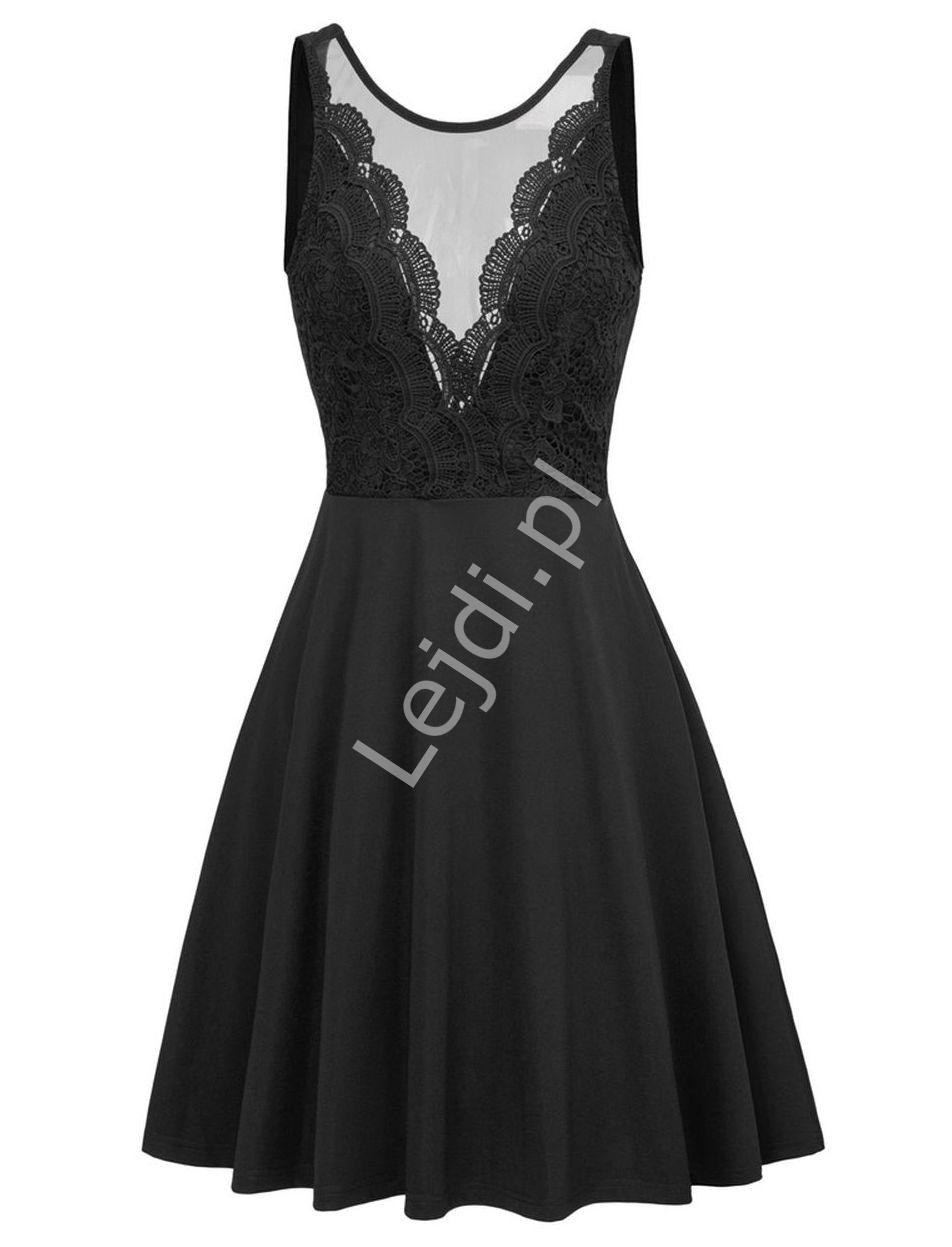 Rozkloszowana czarna sukienka z koronkową górą i wyeksponowanymi plecami 453 - Lejdi