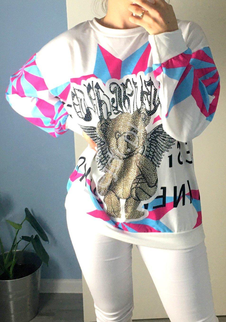 Stylowa bluza biała z misiem z skrzydłami kryształkowymi - Lejdi