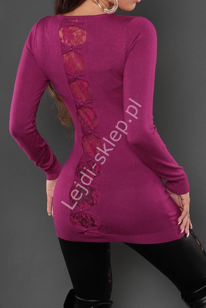 Sukienka dzianinowa zdobiona koronką i kokardami na plecach, fioletowa wpadająca w fuksję 8083 - Lejdi