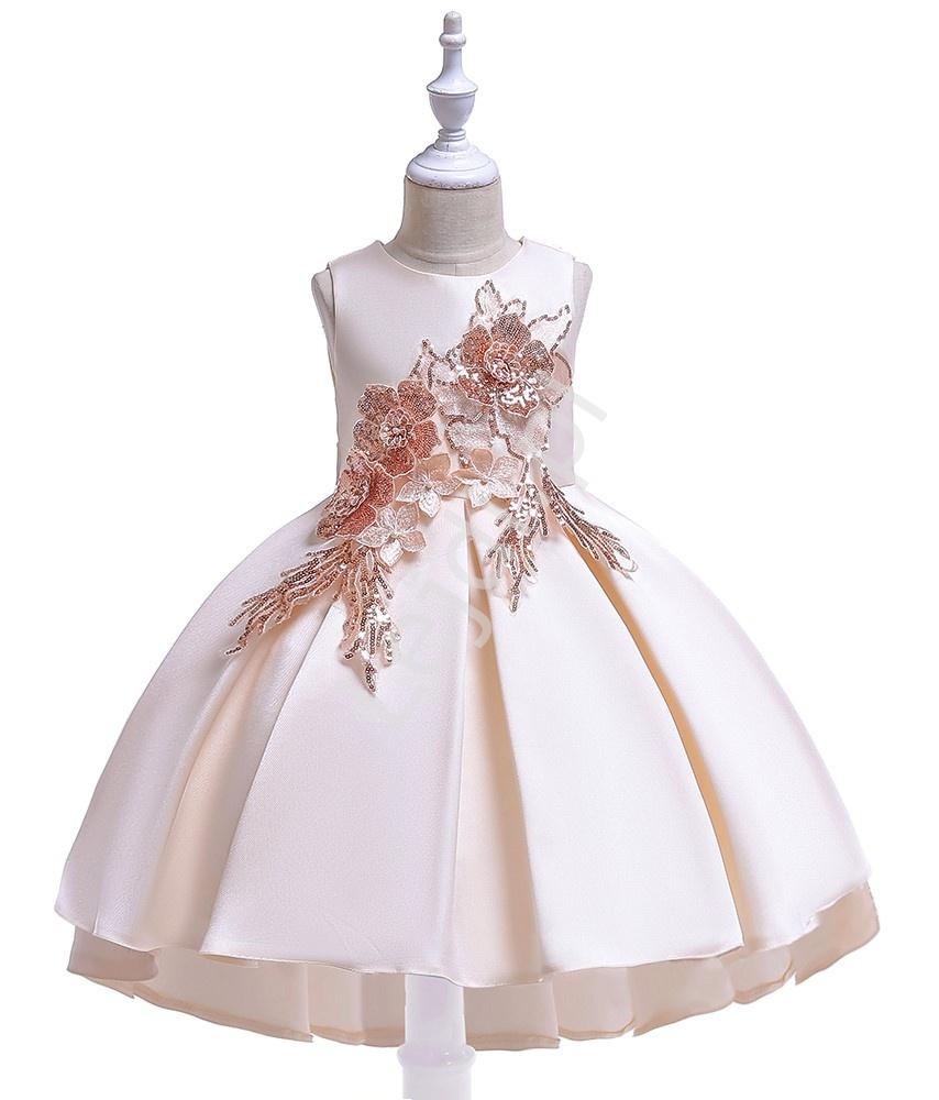 Sukienka dziecięca w kolorze szampana z wydłużonym tyłem zdobiona kwiatami 3D 080 - Lejdi