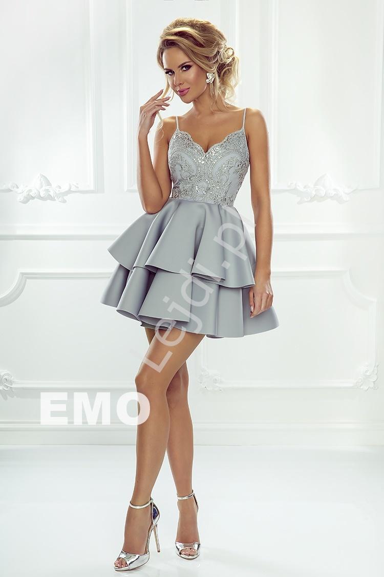 d66295bc126387 Sukienka na wesele na ramiączkach z piankową spódnicą, szara piankowa Leila.  Sukienka w kolorze pudrowego różu.
