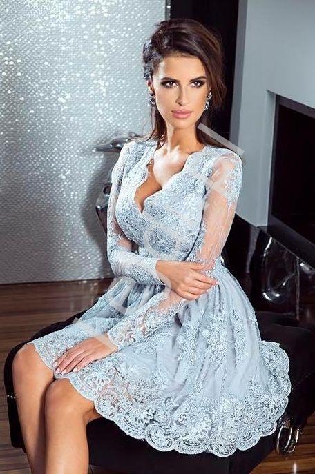 Sukienka na wesele, srebrna koronkowa rozkloszowana sukienka - Amelia - Lejdi