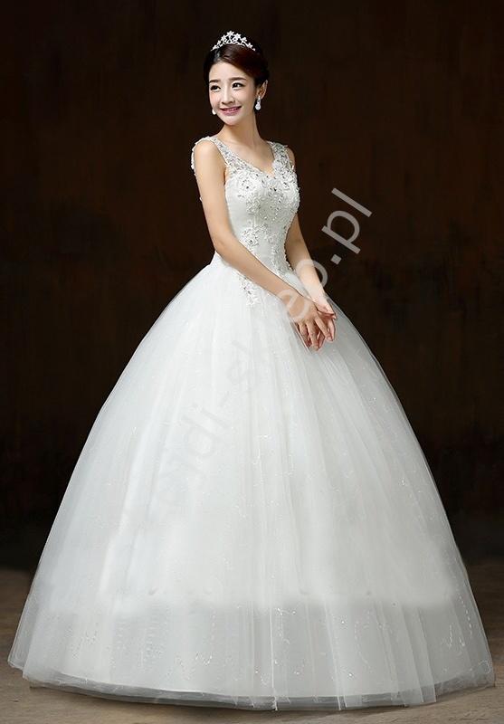 Suknia ślubna w klasycznym kroju z trenem mod 20 - Lejdi