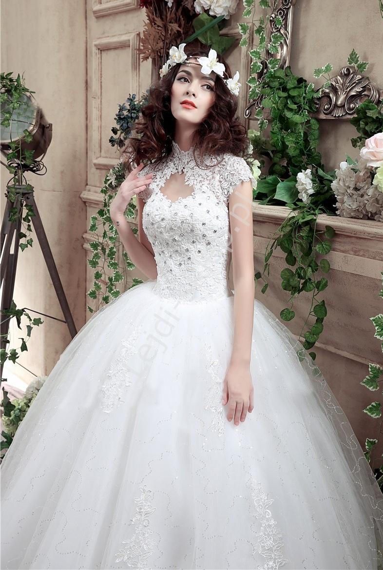 Suknia ślubna z gipiurowym koronkowym gorsetem |suknia ślubna z łezka na dekolcie, model 4 - Lejdi