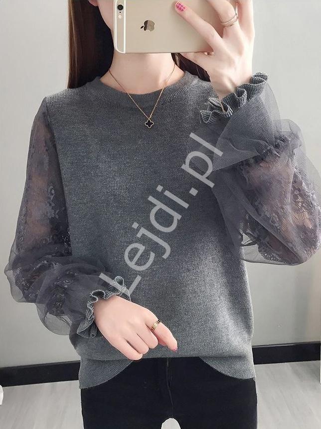 Szara damska bluzka z oryginalnym koronkowo tiulowym rękawem 0586 - Lejdi