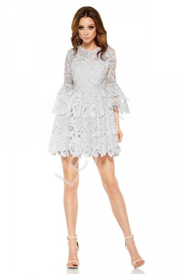 bb0bcf7612 Szara koronkowa sukienka z rozszerzanymi rękawami - Lejdi.pl