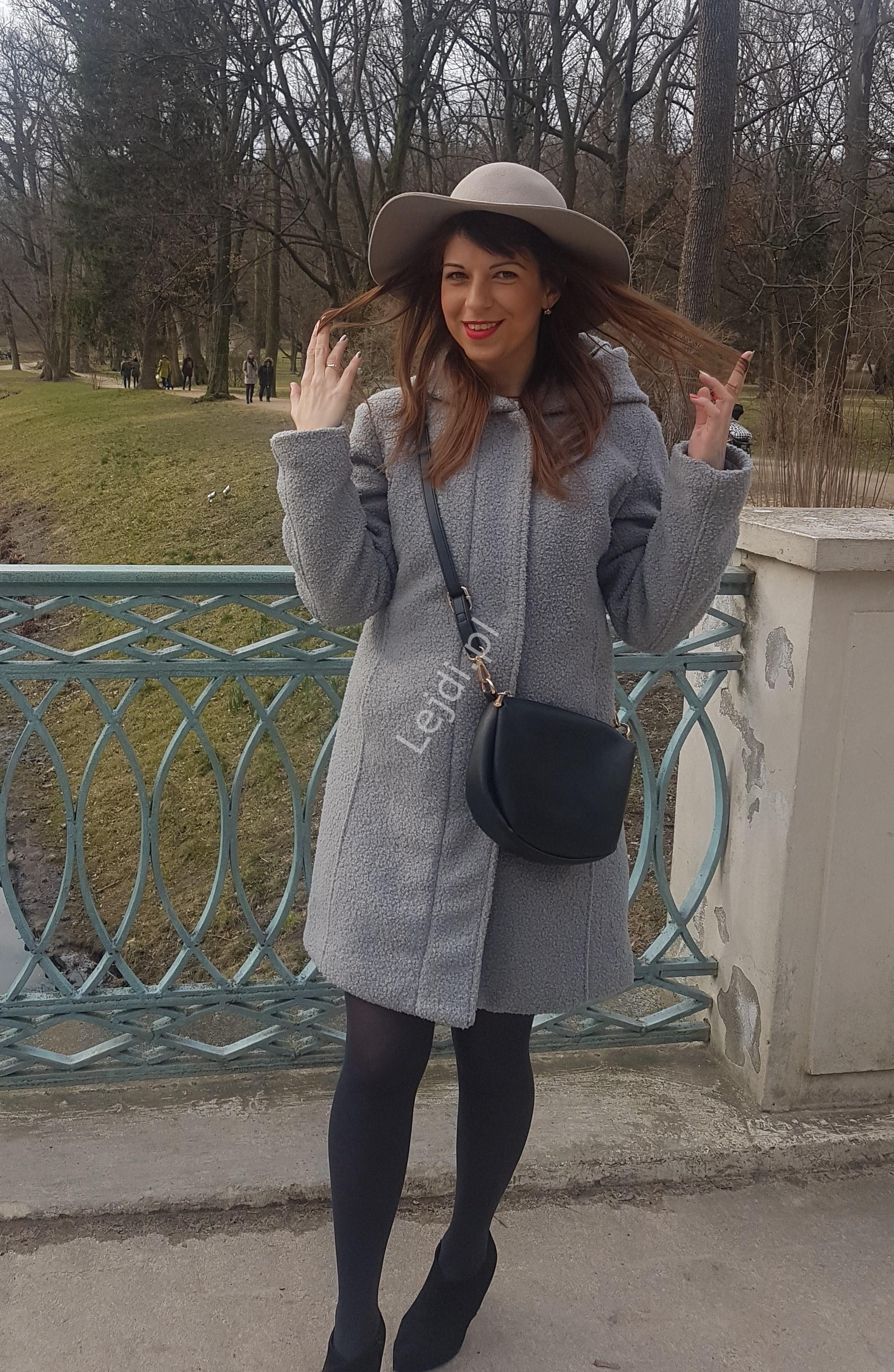 Szary ciepły płaszcz damski ala baranek z przędzy bouncle z pikowaną podszewką Boysen's - Lejdi