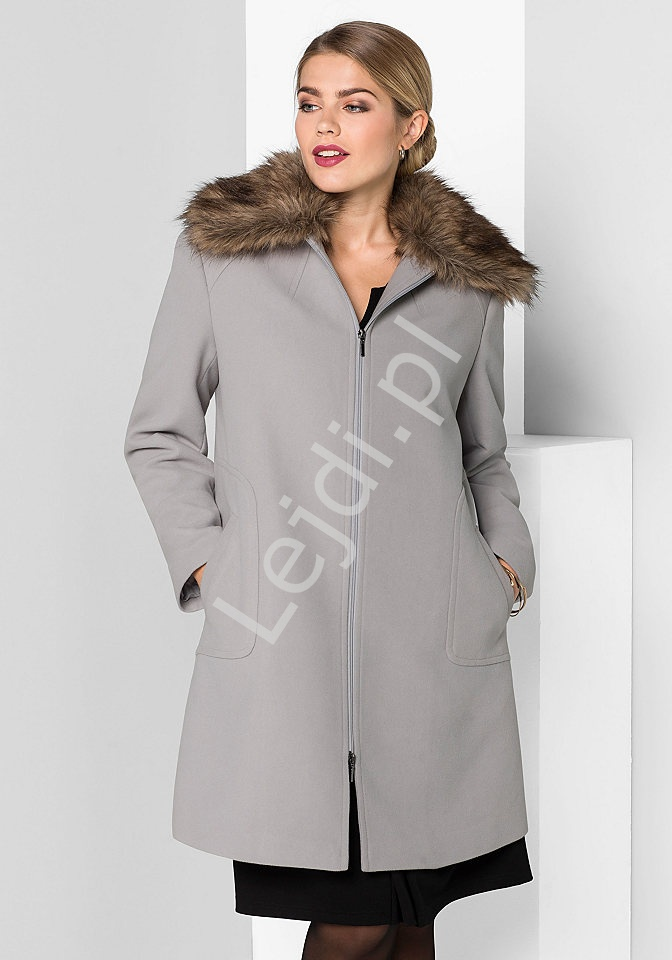 Szary elegancki płaszcz plus size z sztucznym futrem Sheego - Lejdi