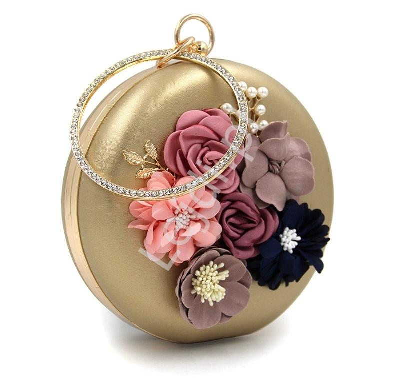 b2cd630e200b8 Unikatowa okrągła torebka w kolorze złotym z kwiatami i koralikami ...
