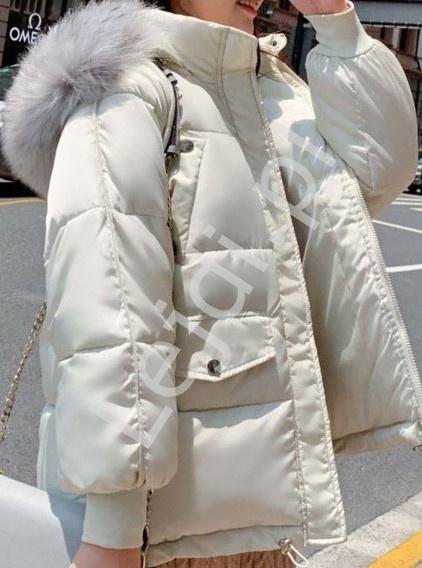 Zimowa kurtka oversizowa w kolorze złamanej bieli 3736 - Lejdi