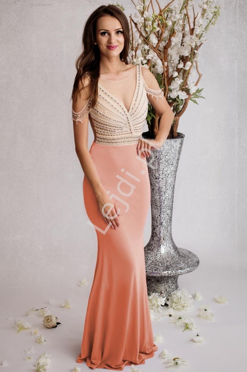 Zmysłowa przylegająca do ciała jasnoróżowa suknia z perełkami na gorsecie i ramionach | efektowny tył - Lejdi