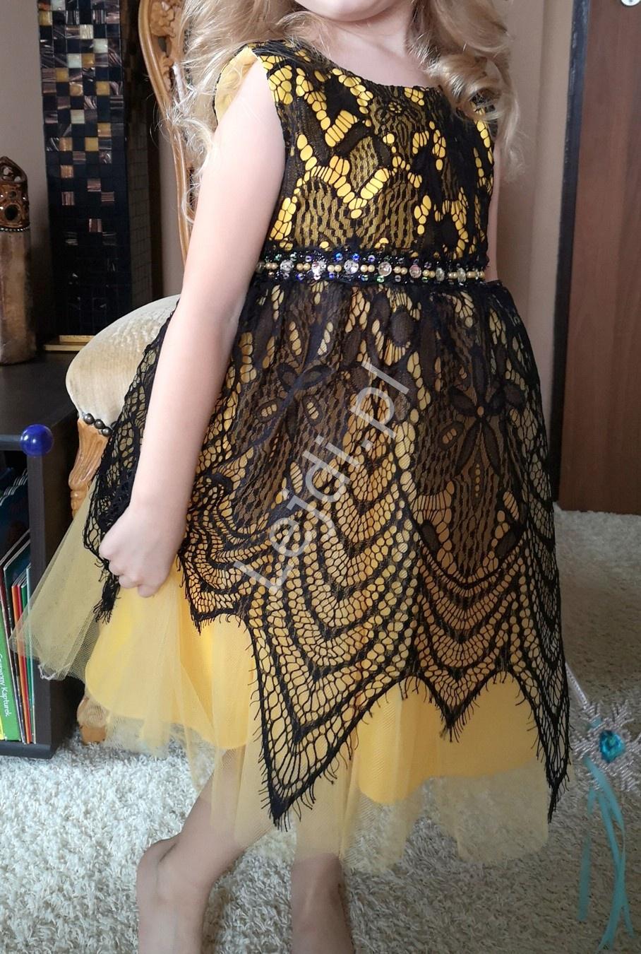 Żółta sukienka dziecięca z czarną koronką 155 - Lejdi