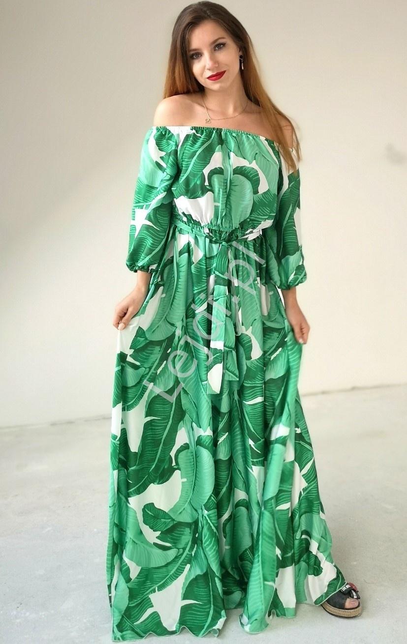 Zwiewna sukienka z odkrytymi ramionami, biała w zielone liście, Klara - Lejdi